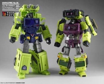 [Toyworld] Produit Tiers - Jouet TW-C Constructor aka Devastator/Dévastateur (Version vert G1 et jaune G2) - Page 5 HTGysxd3