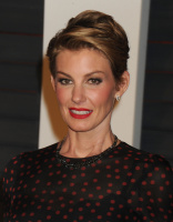 """Faith Hill """"2015 Vanity Fair Oscar Party hosted by Graydon Carter at Wallis Annenberg Center for the Performing Arts in Beverly Hills"""" (22.02.2015) 58x  IOM8sGhR"""