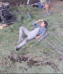 Tom Cruise - on the set of 'Oblivion' in Mammoth Lakes, California - July 11, 2012 - 18xHQ SViJuAJ2