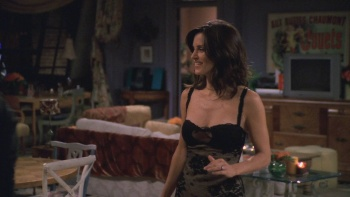 "Courteney Cox - Friends (2002) S9 Ep9 ""Cleavage"" 