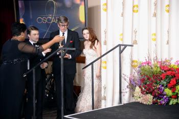 Kristen Stewart - Imagenes/Videos de Paparazzi / Estudio/ Eventos etc. - Página 31 AdqDGYLk