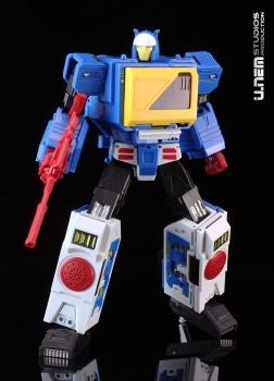 [KFC Toys] Produit Tiers - Jouet Transistor (aka Blaster/Tempo) + DoubleDeck (Twincast) + Fader (aka Eject/Éjecteur) + Rover (aka Autoscout) - Page 2 SIXOse9t