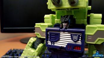 [Toyworld] Produit Tiers - Jouet TW-C Constructor aka Devastator/Dévastateur (Version vert G1 et jaune G2) - Page 6 C3BPkToh