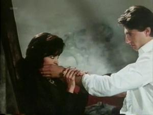 Maria Conchita Alonso @ Blood Ties (IT 1986) [VHS]  VmtldvDi