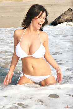 Дениз Милани, фото 4448. Denise Milani White Bikini (From Her Old Website), foto 4448
