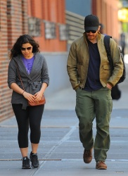 Jake Gyllenhaal & Jonah Hill & America Ferrera - Out And About In NYC 2013.04.30 - 37xHQ DVEsSqrJ