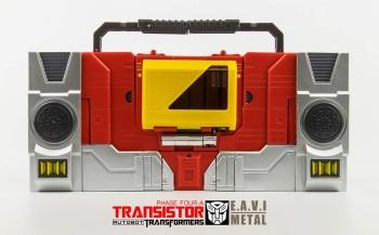 [KFC Toys] Produit Tiers - Jouet Transistor (aka Blaster/Tempo) + DoubleDeck (Twincast) + Fader (aka Eject/Éjecteur) + Rover (aka Autoscout) - Page 2 Qp9TcQH4
