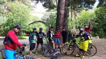 14/06/2015 - Cercedilla a Segovia por el Río Eresma - 7:15 Pedaleando. UmmxZJVS