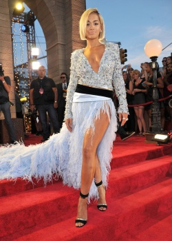 Rita Ora - 2013 MTV Video Music Awards in NY (august 25 )