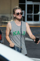 Kaley Cuoco - Shopping at Gelson's Market in LA 6/23/16