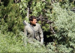 Tom Cruise - on the set of 'Oblivion' in June Lake, California - July 10, 2012 - 15xHQ 4twSvcyl