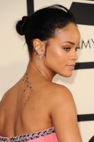 Rihanna  57th Annual GRAMMY Awards in LA 08.02.2015 (x79) updatet Fg8XYzDb