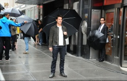Tom Cruise - on the set of 'Oblivion' outside at the Empire State Building - June 12, 2012 - 376xHQ CaxMknp5