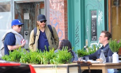 Jake Gyllenhaal & Jonah Hill & America Ferrera - Out And About In NYC 2013.04.30 - 37xHQ BIuVC7ia