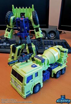 [Toyworld] Produit Tiers - Jouet TW-C Constructor aka Devastator/Dévastateur (Version vert G1 et jaune G2) - Page 6 SQAsEzlN