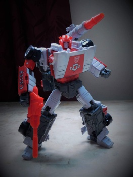 [Masterpiece] MP-14 Red Alert/Feu d'Alerte - Page 2 BERDQIMs