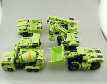 [Toyworld] Produit Tiers - Jouet TW-C Constructor aka Devastator/Dévastateur (Version vert G1 et jaune G2) - Page 7 UPPaRMHw