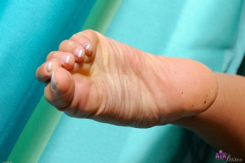 254611 - Cindy Starfall footfetish