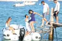 Nina Dobrev with her boyfriend Austin Stowell in Saint-Tropez (July 24) JWi7abjm