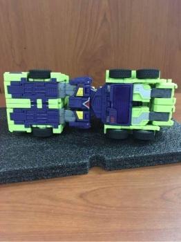 [Toyworld] Produit Tiers - Jouet TW-C Constructor aka Devastator/Dévastateur (Version vert G1 et jaune G2) - Page 4 DVyJILBL