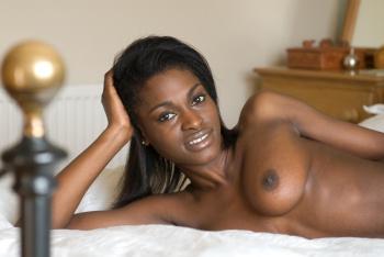 Aubrey-black-model-white-bed-naked-ebony-t16bj4nzgu.jpg