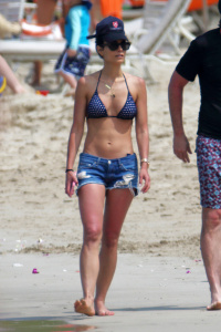 Jordana Brewster | Polka Dot Bikini, Hawaii | 04/09/17
