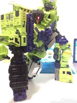 [Toyworld] Produit Tiers - Jouet TW-C Constructor aka Devastator/Dévastateur (Version vert G1 et jaune G2) - Page 7 EsgLaglN