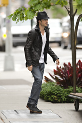 Ian Somerhalder - seen out of his hotel - May 15, 2012 - 8xHQ UU9QNvka