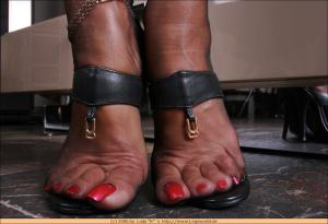 Foot Fetish (XXX Nikolay Collection) 07.03.2016 (Milf, blond, brunett, Mature) (22)