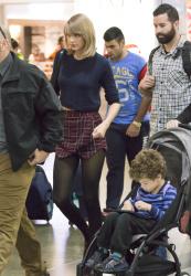 Taylor swift december 2018 candid