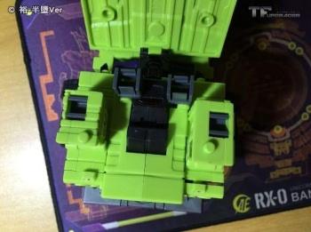 [Toyworld] Produit Tiers - Jouet TW-C Constructor aka Devastator/Dévastateur (Version vert G1 et jaune G2) - Page 6 UkbgG3c0