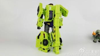 [Toyworld] Produit Tiers - Jouet TW-C Constructor aka Devastator/Dévastateur (Version vert G1 et jaune G2) - Page 7 AYE6SZuR