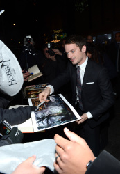 Elijah Wood - 'The Hobbit An Unexpected Journey' New York Premiere benefiting AFI at Ziegfeld Theater in New York - December 6, 2012 - 18xHQ ZOY3bsU1