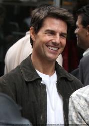 Tom Cruise - on the set of 'Oblivion' in New York City - June 13, 2012 - 52xHQ Bv4hKX9V