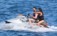 Nina Dobrev and Asustin Stowell enjoy the ocean off the cost the French Riviera (July 26) Ryxw1kmY