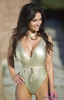 Дениз Милани, фото 4883. Denise Milani Gold One-Piece (Low Quality), foto 4883