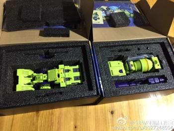 [Toyworld] Produit Tiers - Jouet TW-C Constructor aka Devastator/Dévastateur (Version vert G1 et jaune G2) - Page 4 DbwNUByK