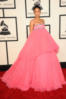 Rihanna  57th Annual GRAMMY Awards in LA 08.02.2015 (x79) updatet CCFEzDUV