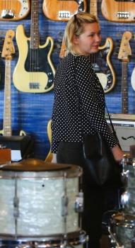 Kirsten Dunst - LA Stroll - x 8