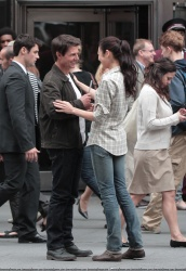 Tom Cruise - on the set of 'Oblivion' outside at the Empire State Building - June 12, 2012 - 376xHQ QQxxZeKu