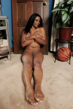 261377 - Alia Starr black women