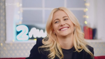 Pixie Lott - [Interview & Baby] 2 Awesome 1080i HDMania