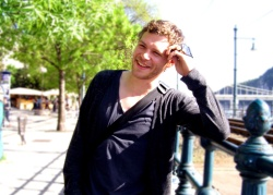 Joseph Morgan - Budapest (Hungary) - April 29, 2012 - 28xHQ UpWaXpEP
