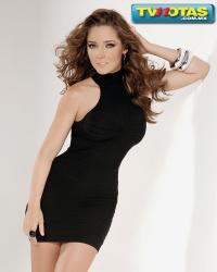 Ariadne Díaz vestido negro