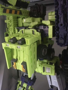 [Toyworld] Produit Tiers - Jouet TW-C Constructor aka Devastator/Dévastateur (Version vert G1 et jaune G2) - Page 4 LzQ2uQPc