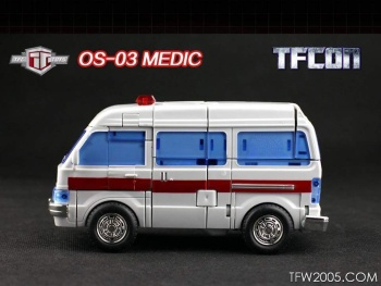 [TFC Toys] Produit Tiers - OS-01 Ironwill (aka Ironhide/Rhino) & OS-03 Medic (aka Ratchet/Mécano) Zzshnhkx