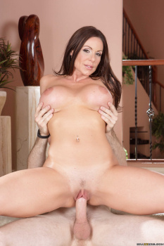 Kendra Lust - Sneaky Mom 20-10