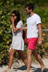 Jamie Dornan - At the beach with his girlfriend, Amelia Warner in Miami - January 17, 2013 - 25xHQ JNuXVKbv