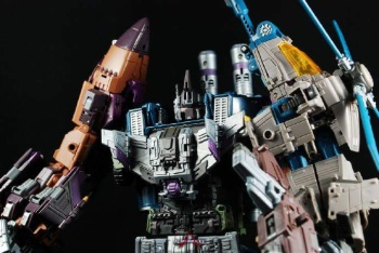 [Warbotron] Produit Tiers - Jouet WB01 aka Bruticus - Page 5 AbYpVk1M