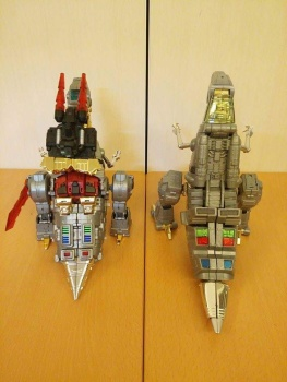 [Toyworld][Zeta Toys] Produit Tiers - Jouet TW-D aka Combiner Dinobots 4hcKbBHp